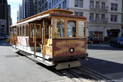 A cable car of the California line