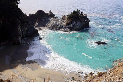 Die Bucht direkt am Highway 1 am Pazifik