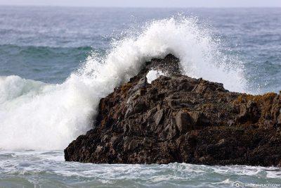 Die Wellen am Pfeiffer Beach