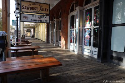 Shops and shops in Old Sacramento