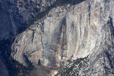 Die ausgetrockneten Yosemite Falls