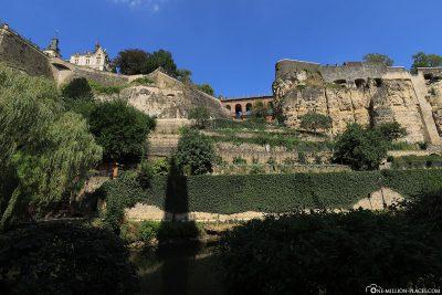 Blick auf die Kasematten der Stadt Luxemburg