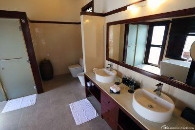 Das Bad im Wasserbungalow (BUM2)