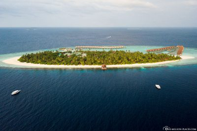 Aerial view of the island with the DJI Mavic Pro drone