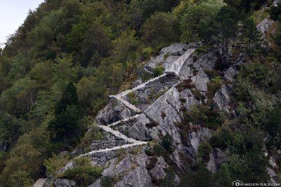 Die Treppe zum Aussichtspunkt Byrampen