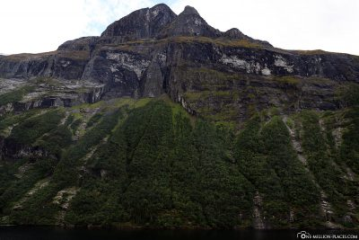 The steeply sloping rocky slopes in the Geirangerfjord