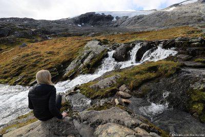 A waterfall at Lake Djupvatnet