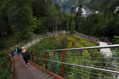 The trail 'Fossevandring' with its 327 steps