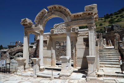 Der Hadrianstempel