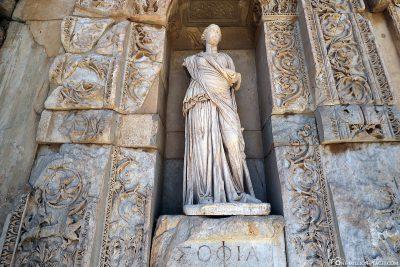 Statue der Celsus-Bibliothek