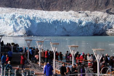 View of the glacier from the cruise ship