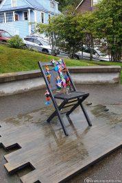Der leere Stuhl in Juneau