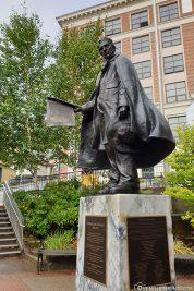 Statue von William H. Seward