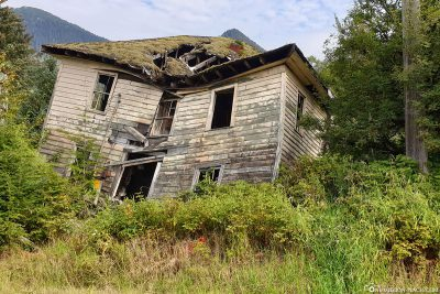 Ein altes zerfallenes Haus