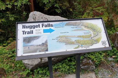 The trail to Nugget Waterfall