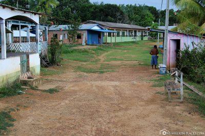 Comunidade Ribeirinha Bela Vista do Jaraqui