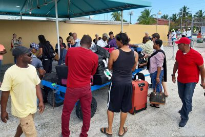 Die Kofferausgabe am Exuma International Airport