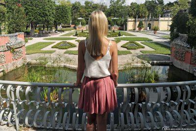 Blick auf die Gartenanlage der Vizcaya Villa