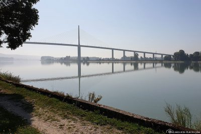 Blick auf die Brotonne-Brücke