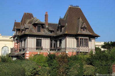 Alte Villa am Boulevard Eugène Cornuche