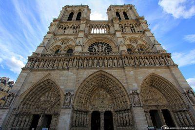 Westfassade der Kathedrale Notre-Dame