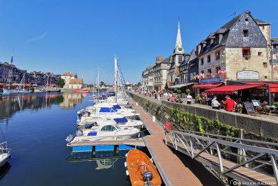 Der alte Hafen mit Promenade