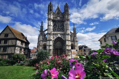 Die gotische Kirche Notre-Dame
