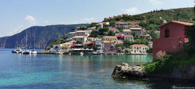 Das malerische Dorf Assos auf Kefalonia