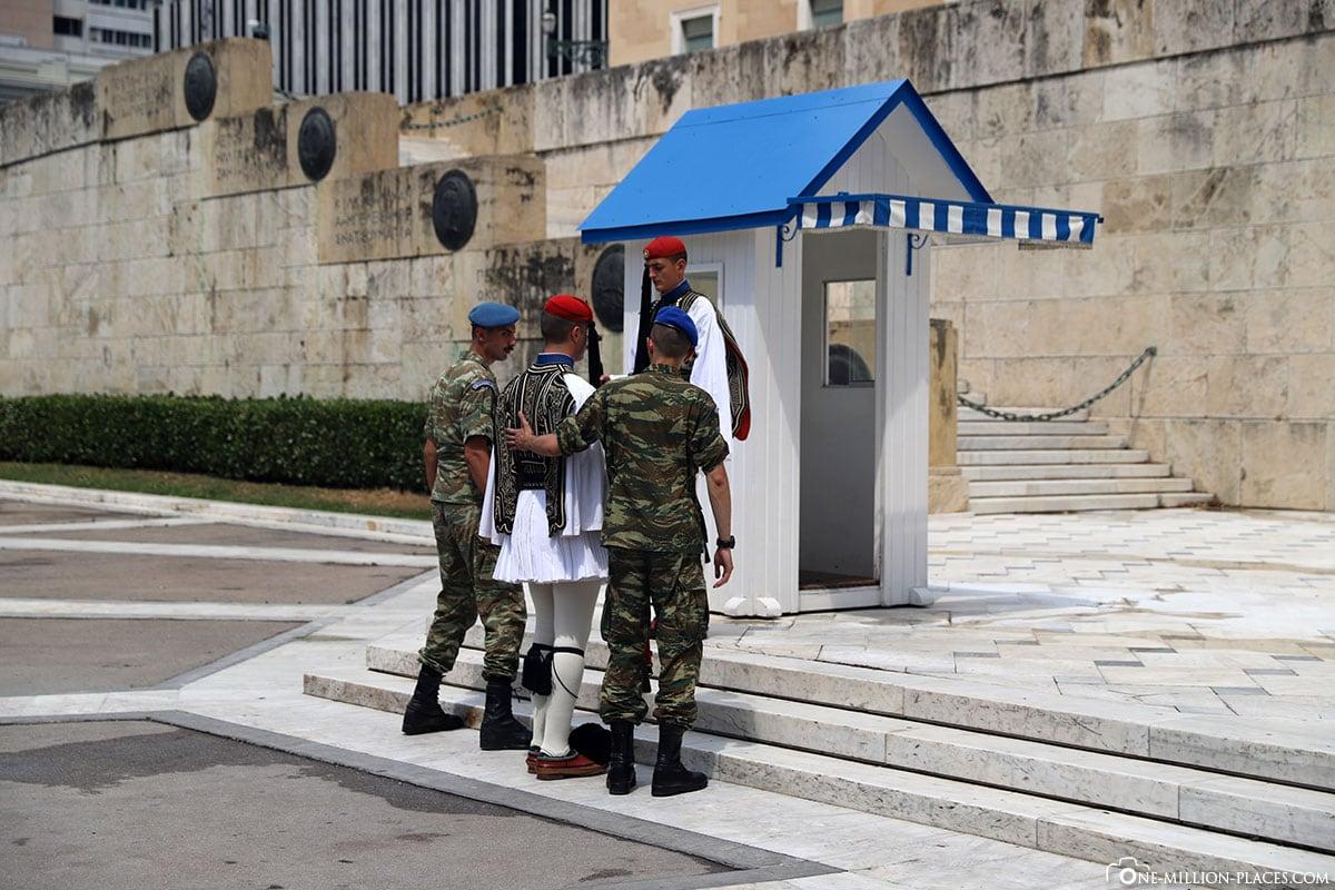 Wachwechsel, Griechisches Parlament, Athen, Griechenland, Sehenswürdigkeiten, Reisebericht, Fotospot