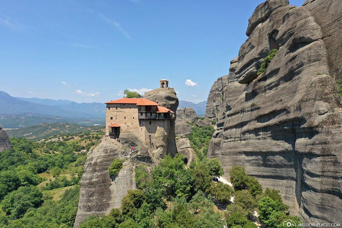 Drohnenbild, Kloster Agios Nikolaos Anapavsas, Kalambaka, Thessalien, Griechenland, Μετέωρα, UNESCO Weltkulturerbe, Erfahrung, Tipps, Reisebericht