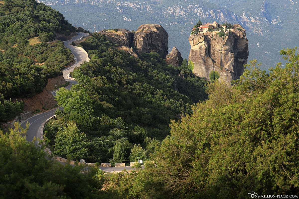 Sommer, Kloster Holy Trinity, Meteora, Agía Triáda, Kalambaka, Thessalien, Griechenland, Μετέωρα, UNESCO Weltkulturerbe, Erfahrung, Tipps, Reisebericht
