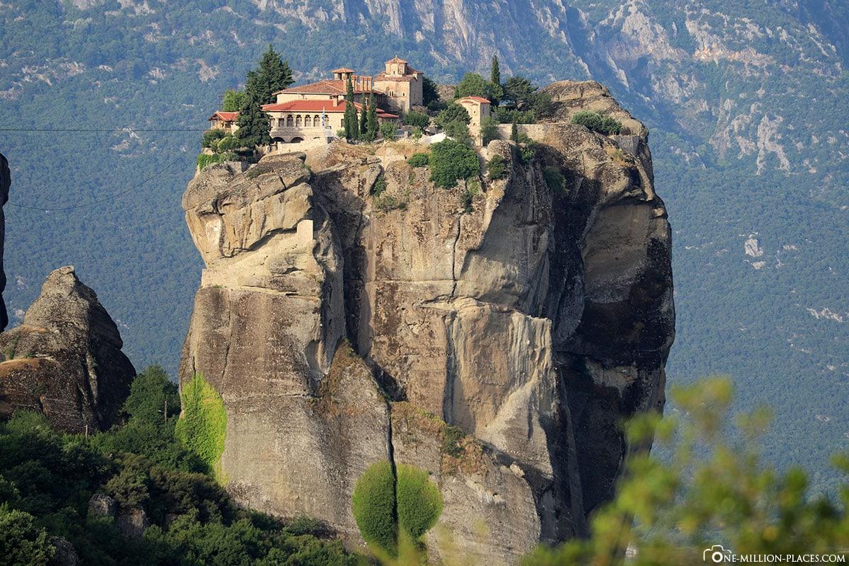 Felsnadel, Kloster Holy Trinity, Meteora, Agía Triáda, Kalambaka, Thessalien, Griechenland, Μετέωρα, UNESCO Weltkulturerbe, Erfahrung, Tipps, Reisebericht