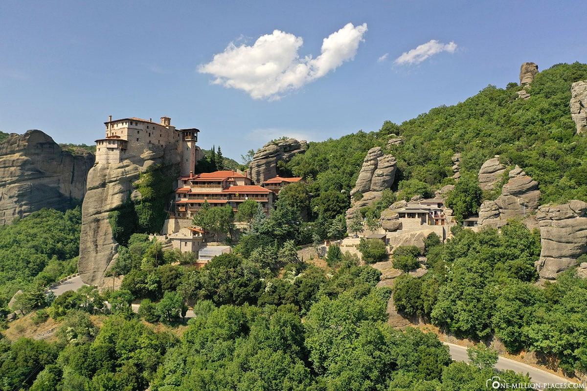 Drohnenaufnahme, Kloster Rousanou, Meteora, Kalambaka, Thessalien, Griechenland, Μετέωρα, UNESCO Weltkulturerbe, Erfahrung, Tipps, Reisebericht