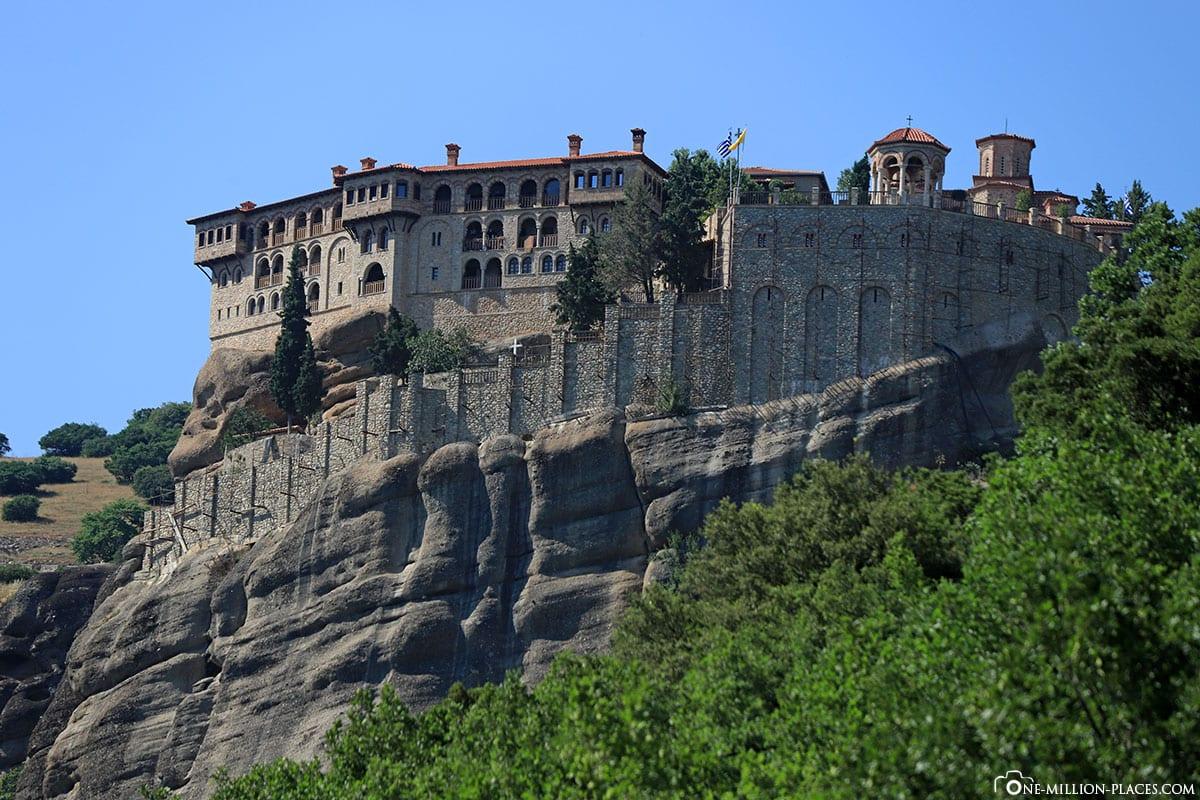 Seitenansicht, Kloster Varlaam, Meteora, Kalambaka, Thessalien, Griechenland, Μετέωρα, UNESCO Weltkulturerbe, Erfahrung, Tipps, Reisebericht