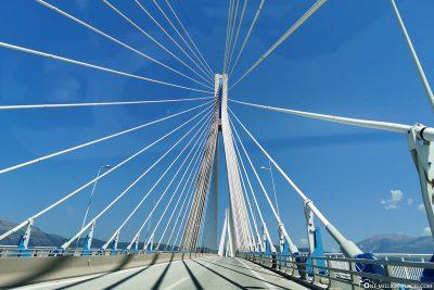 Fahrt über die Rio-Andirrio-Brücke