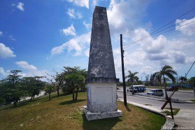 Der Obelisk im Fort Charlotte