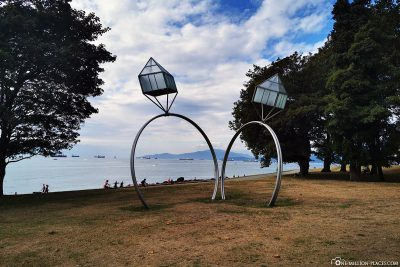"""The sculpture """"Engagement Rings"""" by Dennis Oppenheim"""