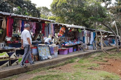 Local stalls at the lookout point