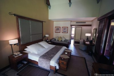 Bed & Living Room of the Junior Suite