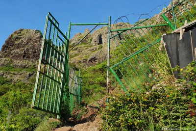The green gate on the way to the summit cross