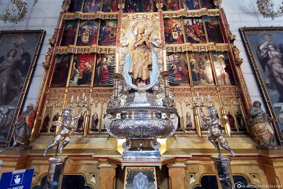 Altar, Almudena Kathedrale, Madrid, Kirche, Spanien, Sehenswürdigkeiten, Fotospots, Reisebericht