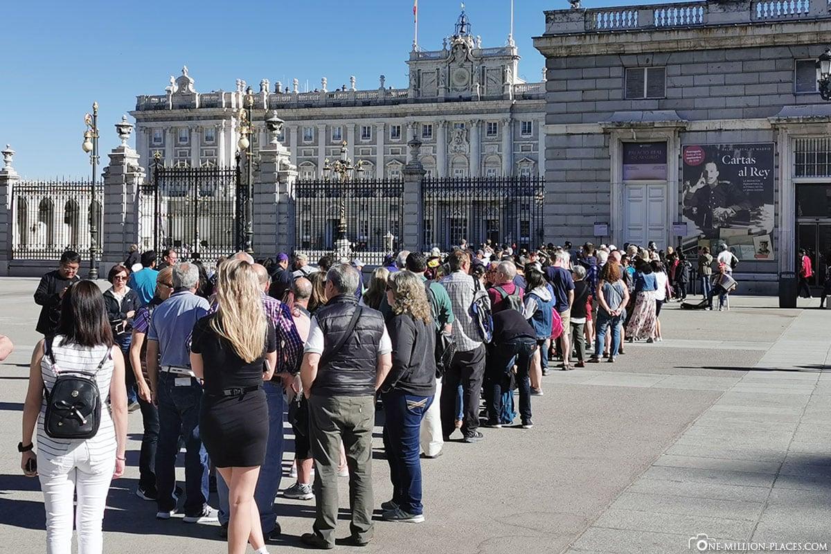 Schlange, Anstehen, Königliche Palast, Madrid, Sehenswürdigkeiten, Stadtrundgang, Reisebericht