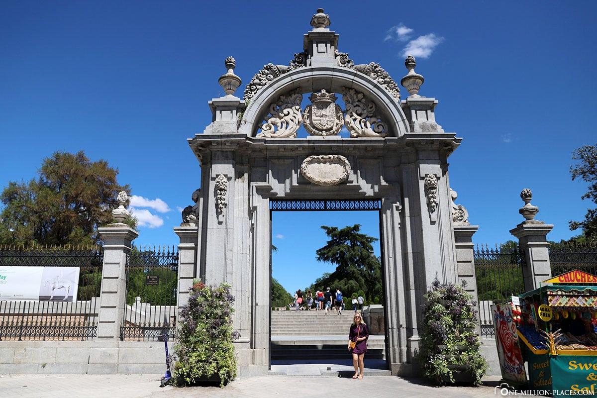 Puerta Felipe IV, Retiro Park, Madrid, Spanien, Sehenswürdigkeiten, Fotospots, Reisebericht