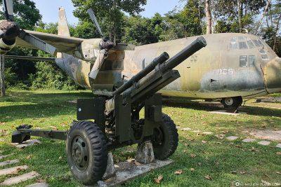 Geschütz & Transportflugzeug