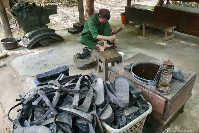 Manufacture of shoes from old car tyres