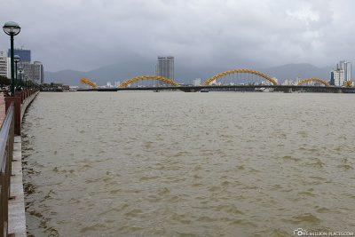 Die Drachenbrücke über dem Han River