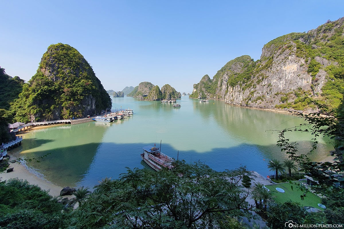Bay, Hang Sung Sot Cave, Halong Bay, Stalactite Cave, Day Trip from Hanoi, Vietnam, Travelreport, Gebeco