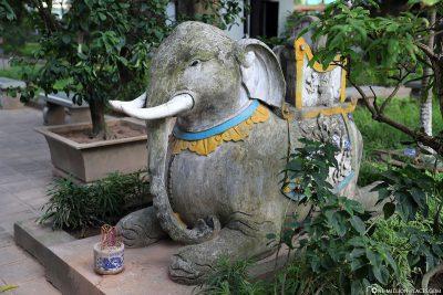 Statue im Quan Thanh Temple