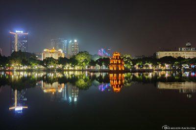 Der Turtle Tower am Hoan-Kiem-See