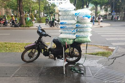 Ice delivery on the motorcycle